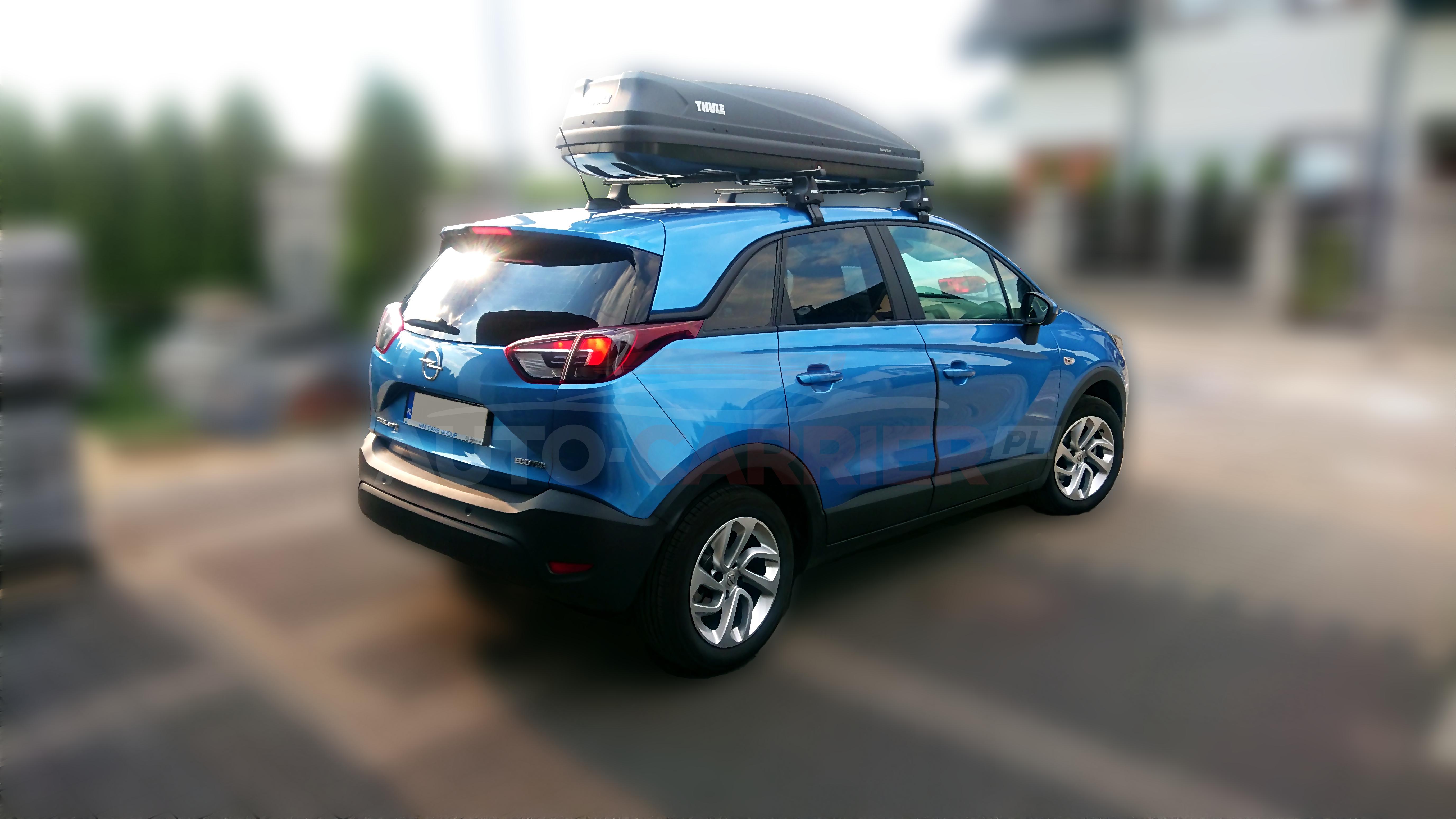 Nowy Opel Crossland X z bagażnikami Thule